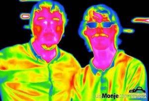Imagen térmica del autor con un alumno
