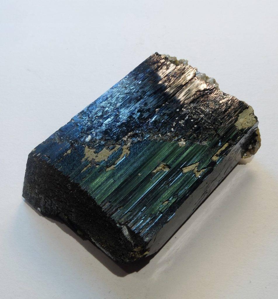 Mineral de wolframita (Wikipedia)